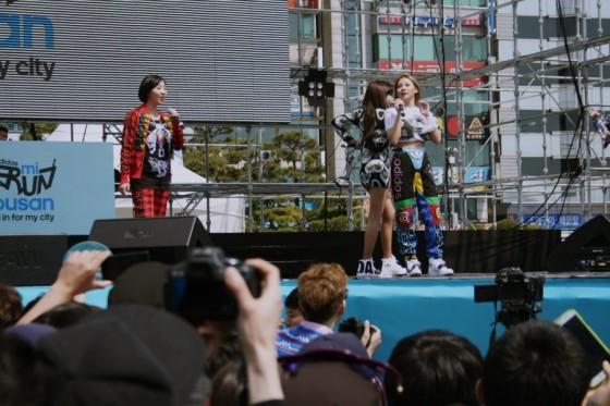 2NE1-Adidas-MiRun-Busan-5